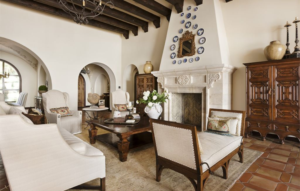 mediterranean-style living room design ideas