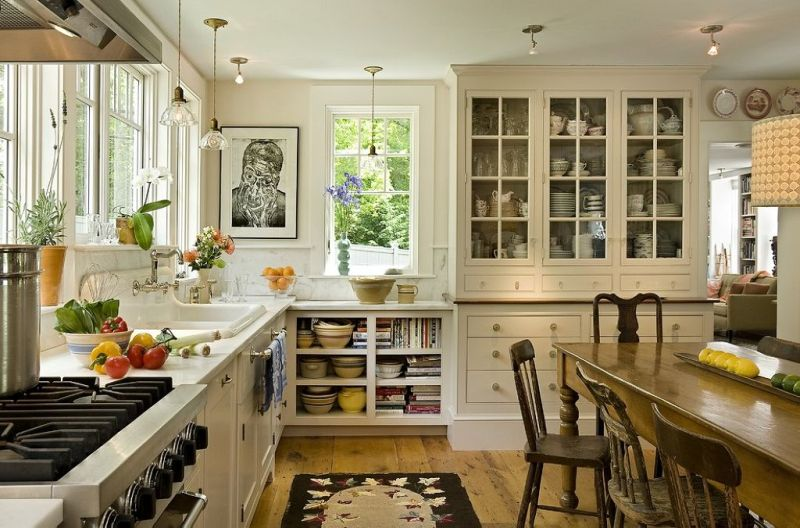 English-Styled Kitchen - Special Aspects of Decoration