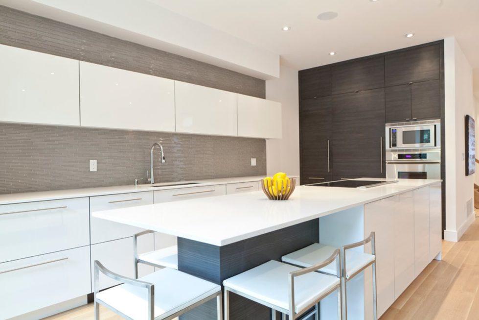 High-Tech Kitchen design - Plain, minimalist tables