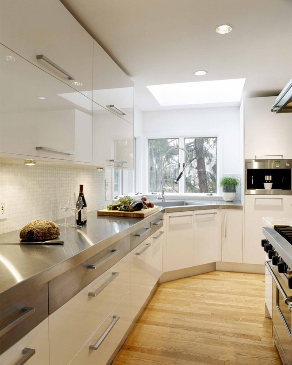 Kitchen in high-tech style - Photo of interior design