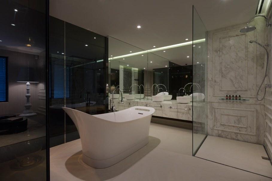 Blue Penthouse - master Bathroom 2