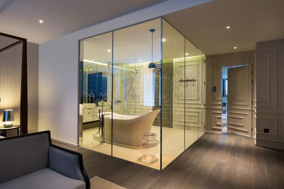 Blue Penthouse - master Bathroom