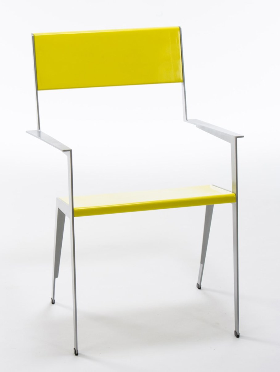 Chair from Shmuel Bazak - thin and elegant design