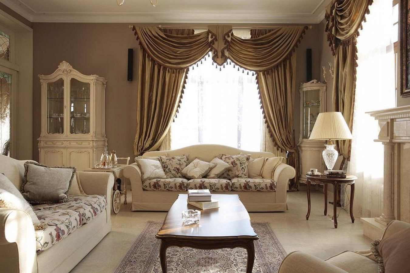 Classic style interior design ideas - Interior living room design ideas ...