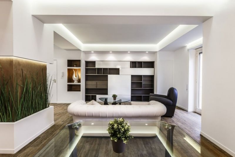 Design of the Apartment in Minimalistic Style - The glass table