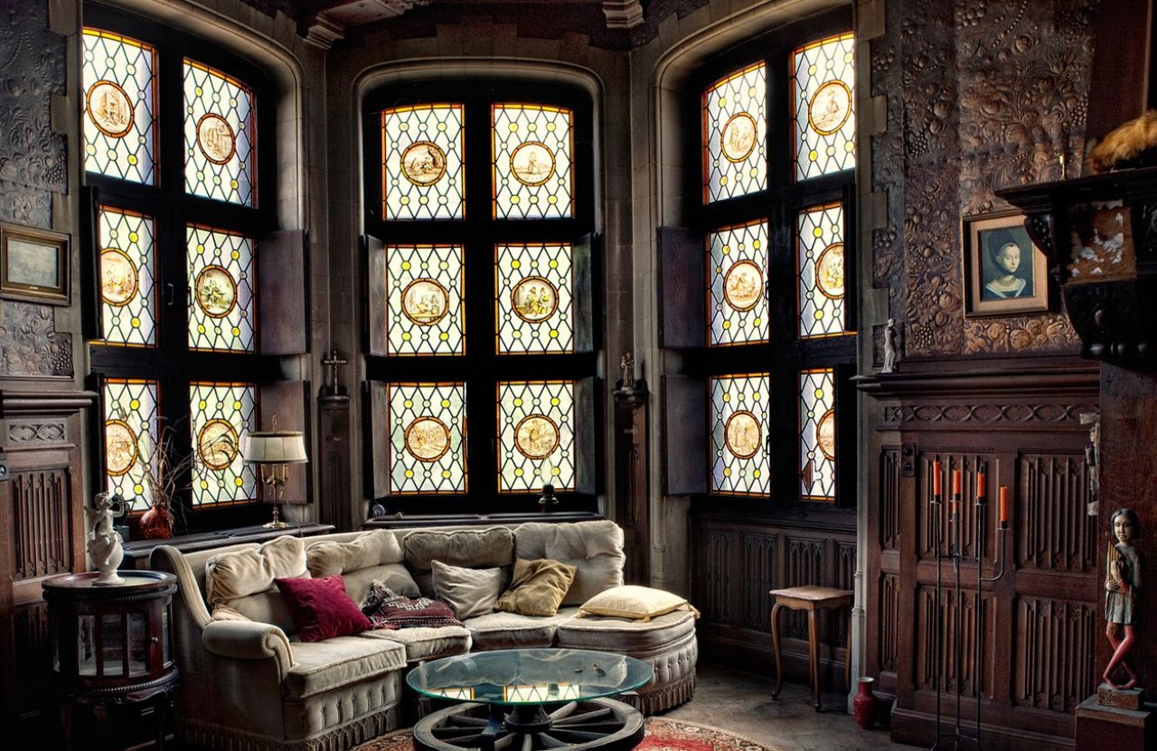 Attractive Gothic Style Interior Design Ideas