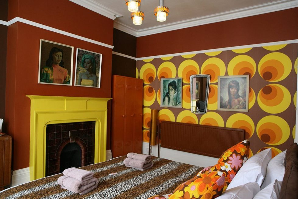 Kitsch Style Interior design - Bedroom with Fireplace