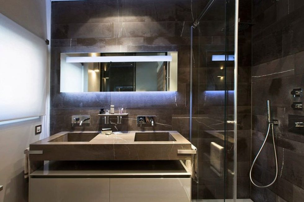 Modern apartment bathroom