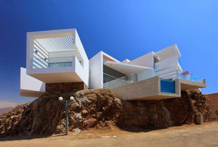 Panoramic Ocean-View House