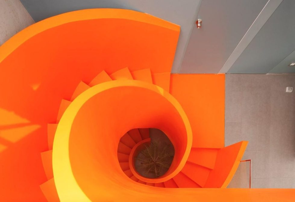 Attractive Open-Terraced House with Orange Staircase 3