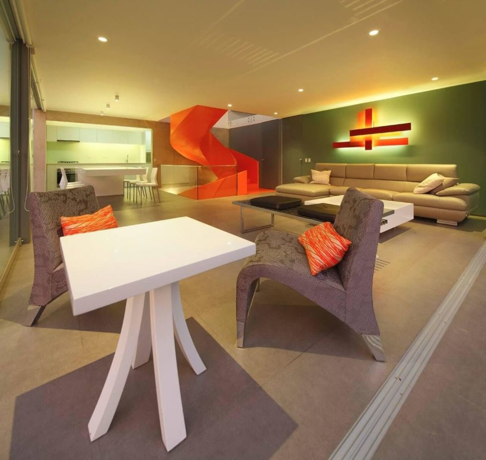 Attractive Open-Terraced House with Orange Staircase - Living room 2