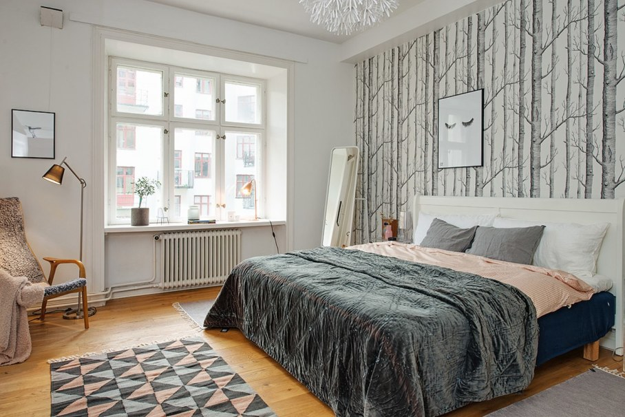 Bedroom design in Scandinavian style - use of various wall decors