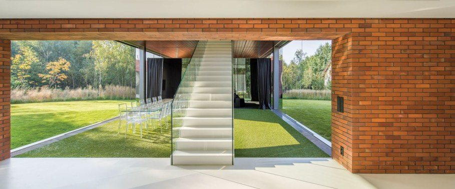 Cantilevered House in Poland by Robert Konieczny 5