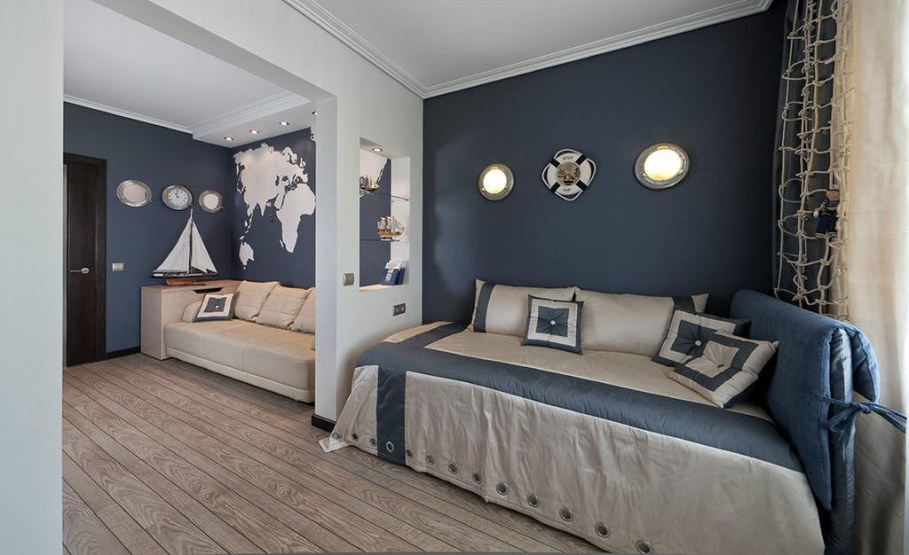 Decorating the room in a nautical theme