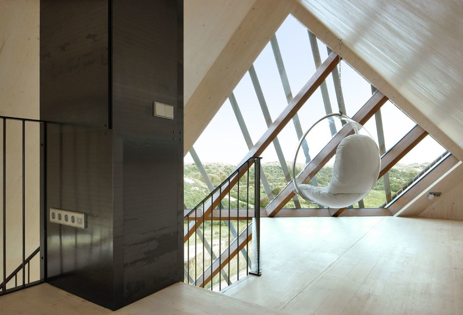 Dune House by Marc Koehler - place to relax