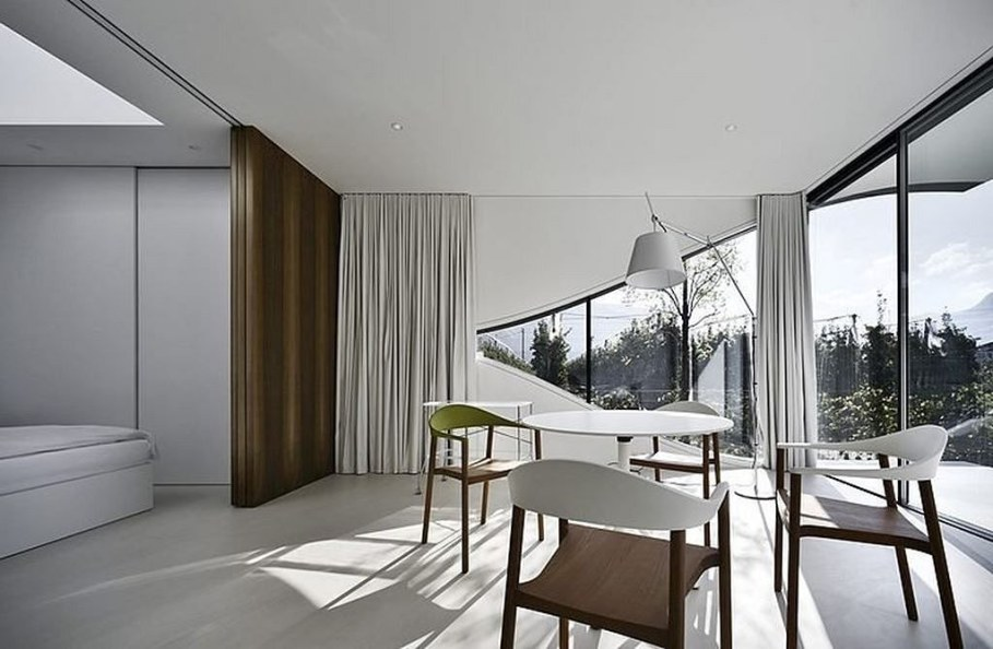Invisible Mirror Houses - dining room and bedroom