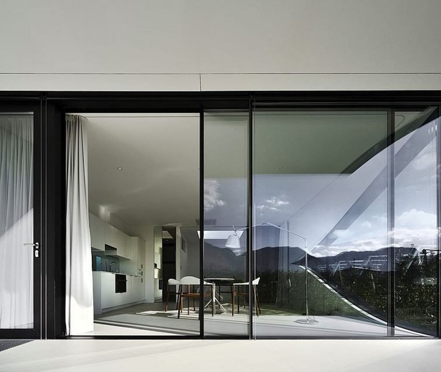 Invisible Mirror Houses - sliding glass walls