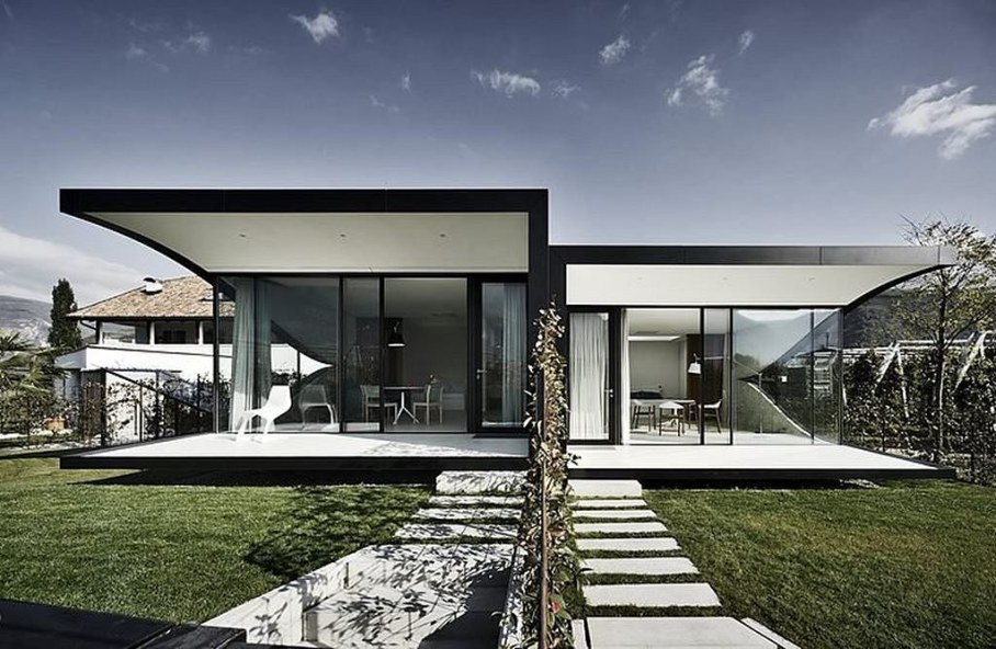 Invisible Mirror Houses - the parts of the house are a little displaced towards each other