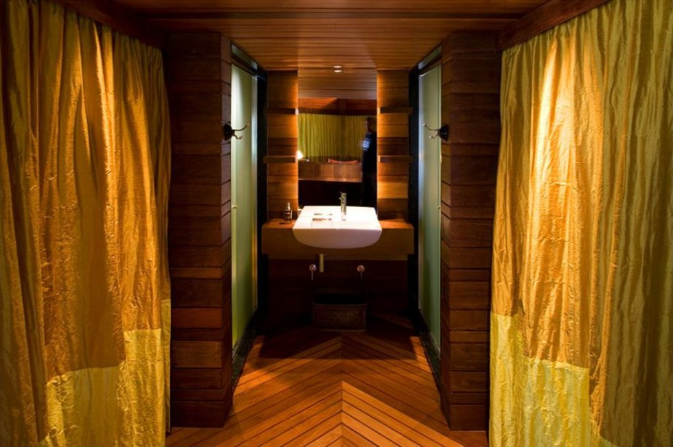 Leaf House - Bathroom