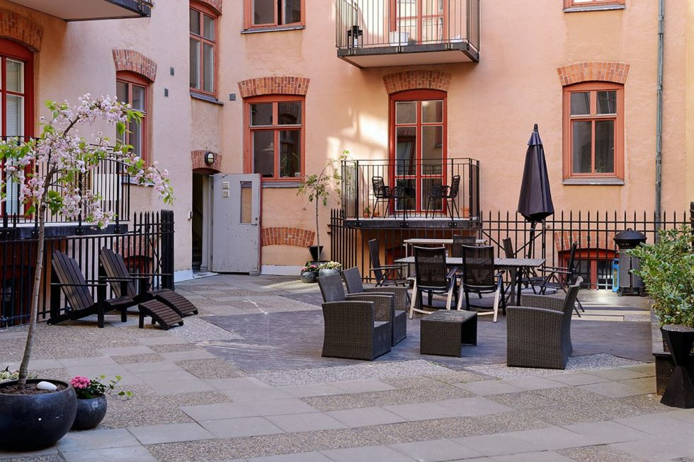 Small Swedish Apartment - Cozy courtyard