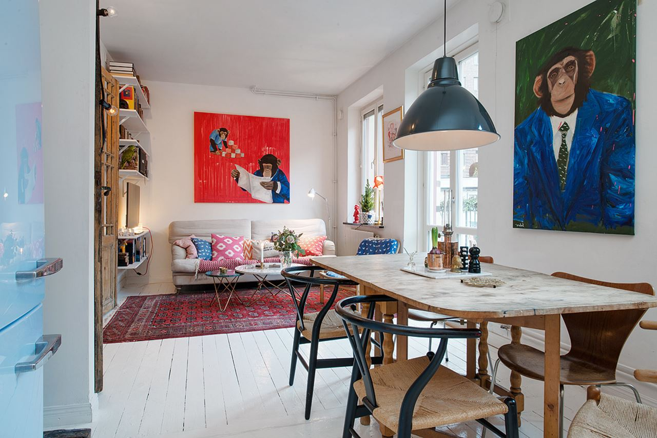 Small swedish apartment as an example of scandinavian style for Small square living room
