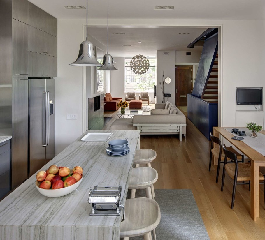 Stylish Townhouse Interior in New York - kitchen and dining room