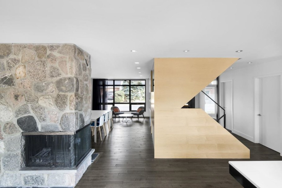 Stylish country house near Montreal - Fireplace