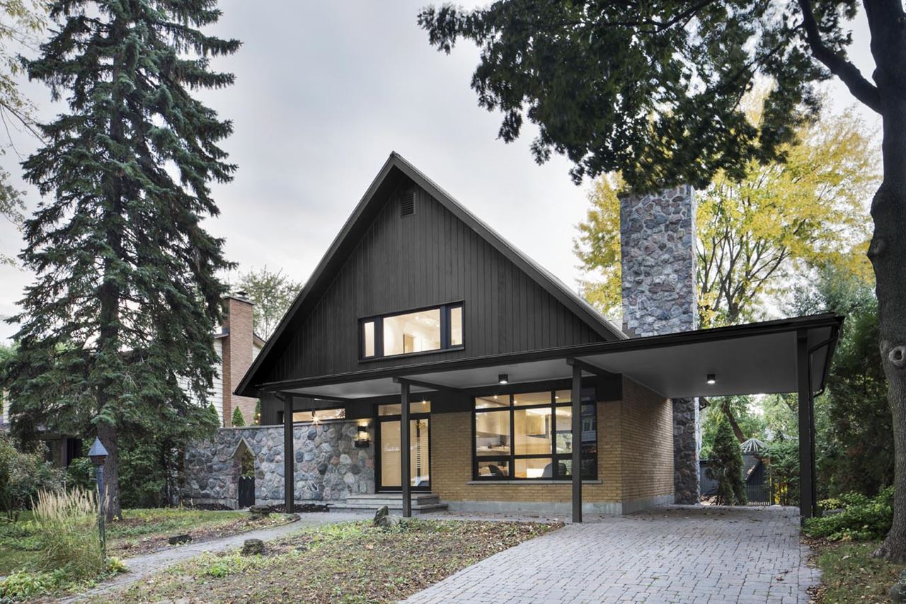 Stylish country house closse residence near montreal canada - House with big windows ...