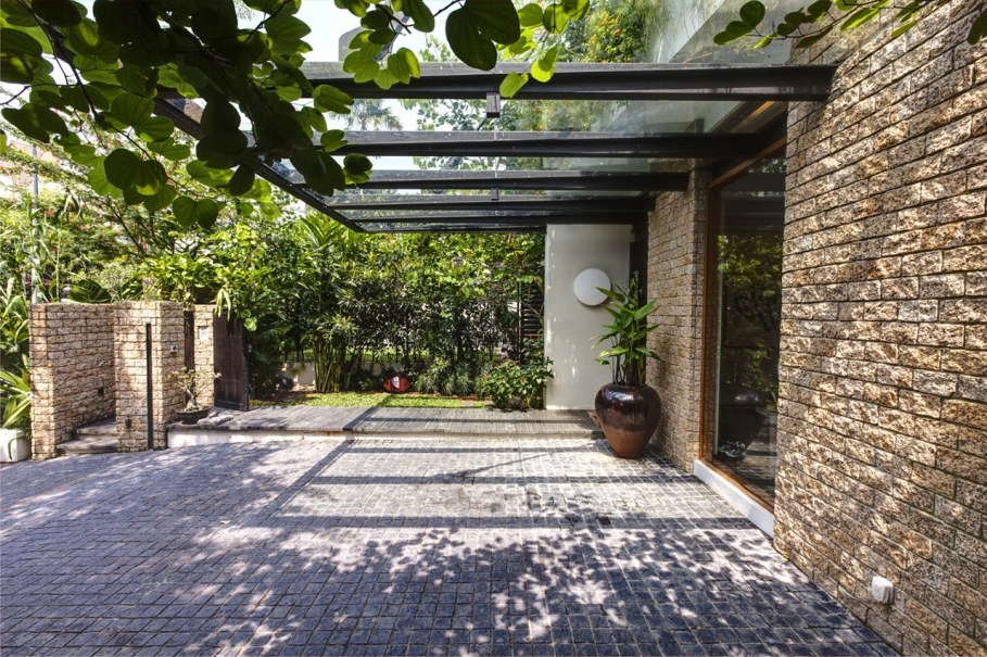 Tan's Garden Villa from Aamer Architects