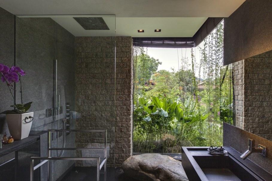 Tan's Garden Villa in Singapore - Bathroom