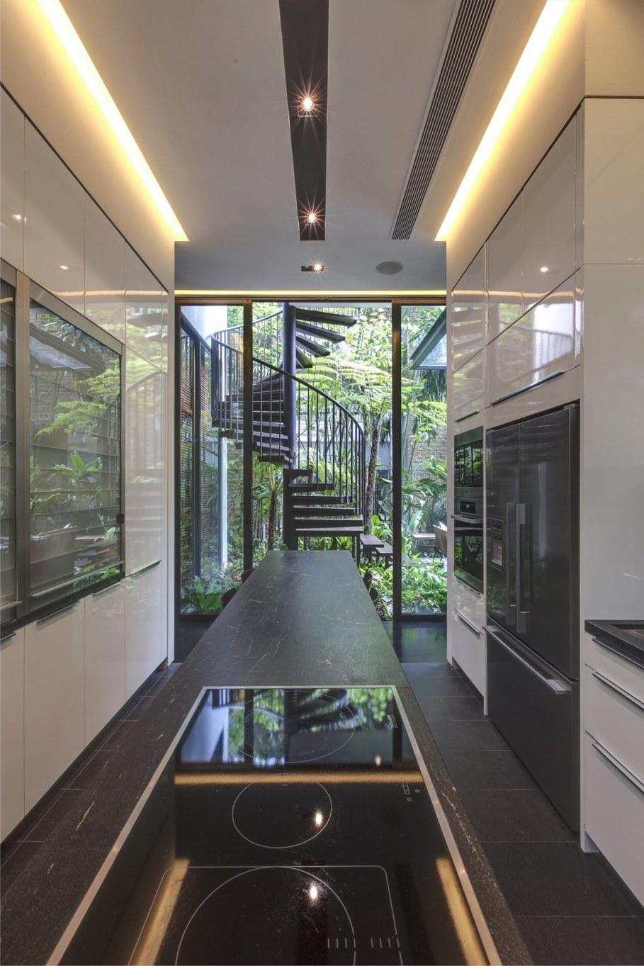 Tan's Garden Villa in Singapore - modern Kitchen