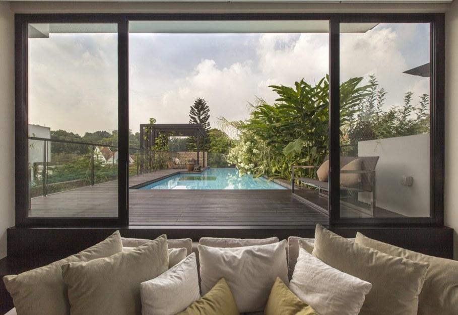Tan's Garden Villa in Singapore - outdoor pool with wooden deck