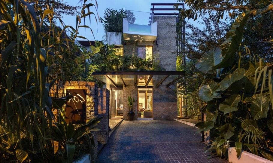 Tan's Garden Villa in Singapore - the main entrance of house