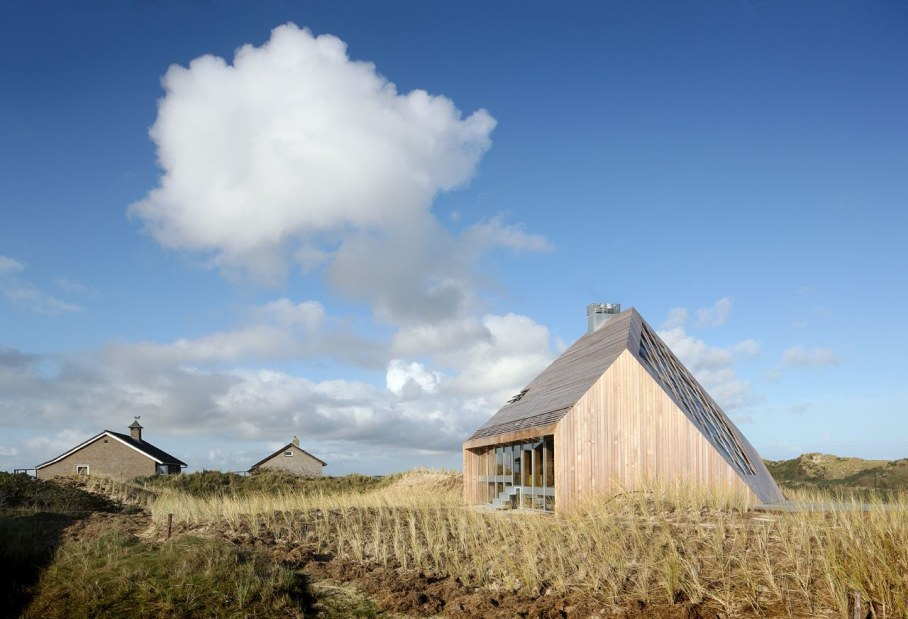 The Harmony with the Nature - Dune House
