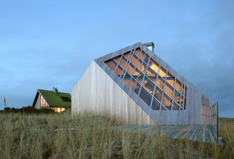 The Harmony with the Nature a Lonely House among the Harsh Northern Dunes - extraordinary shape of the roof