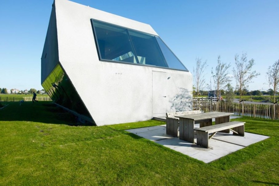 The House Of Unusual Shape From VMX Architects - design ideas