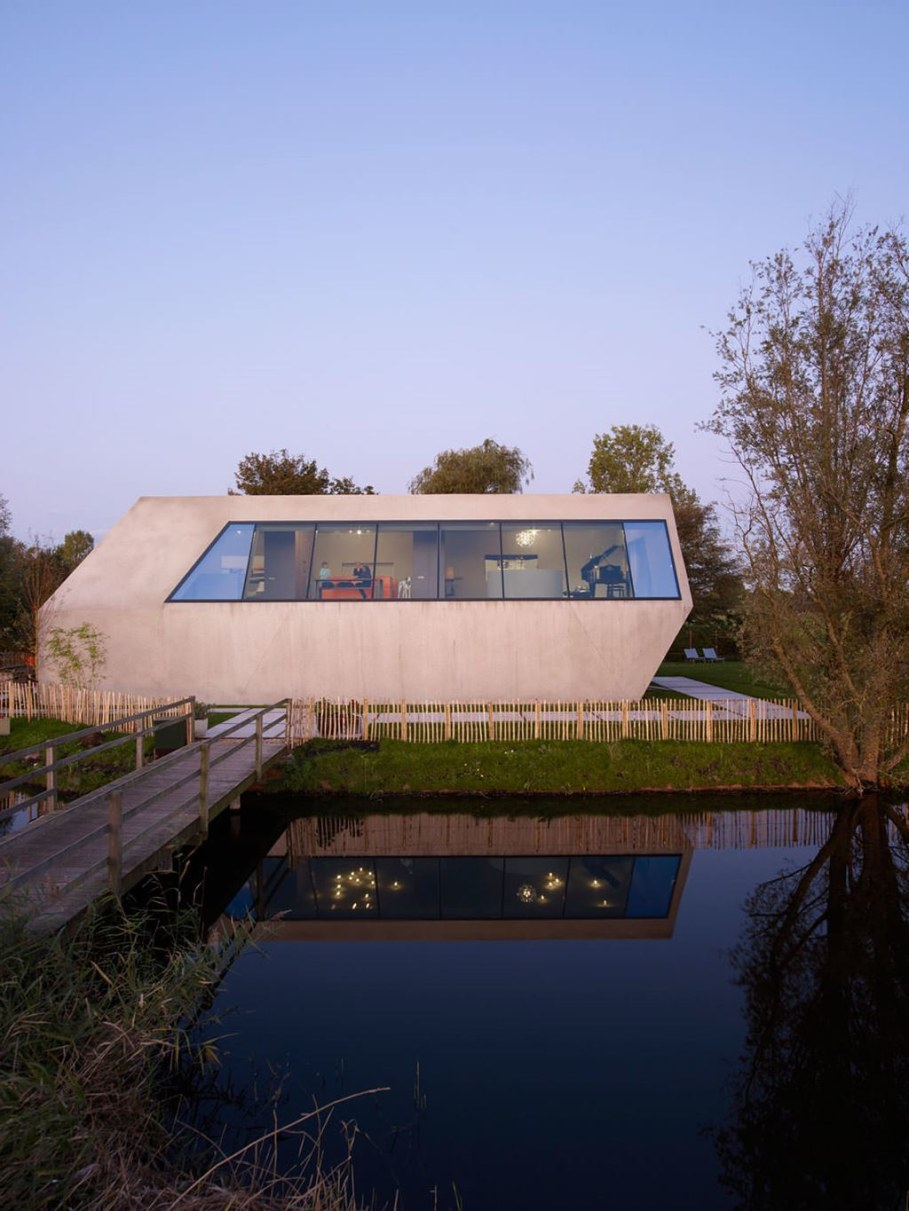 The House Of Unusual Shape From VMX Architects - facade 2