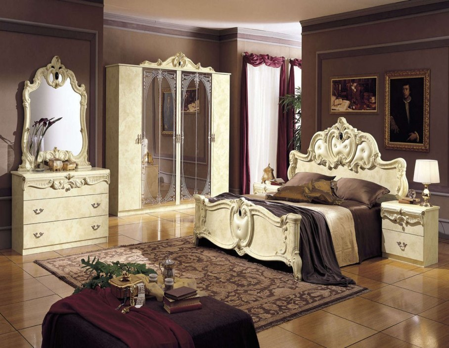 The Renaissance Style - Bedroom interior ideas