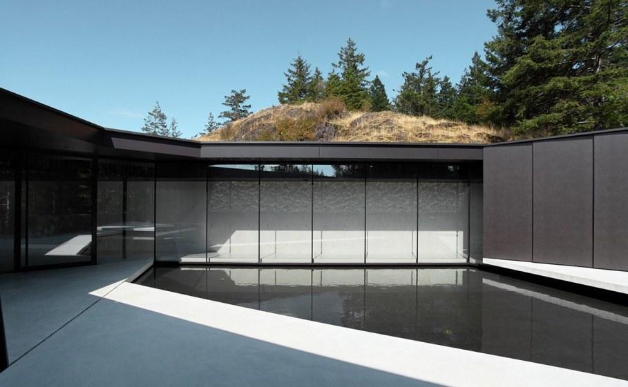 Tula House - glass interior walls