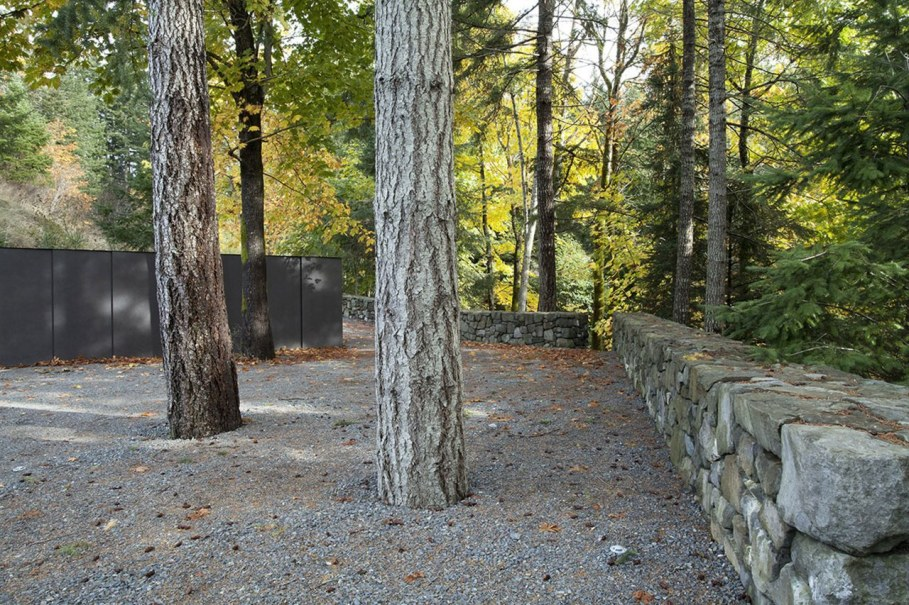 Tula House - surrounded by woods