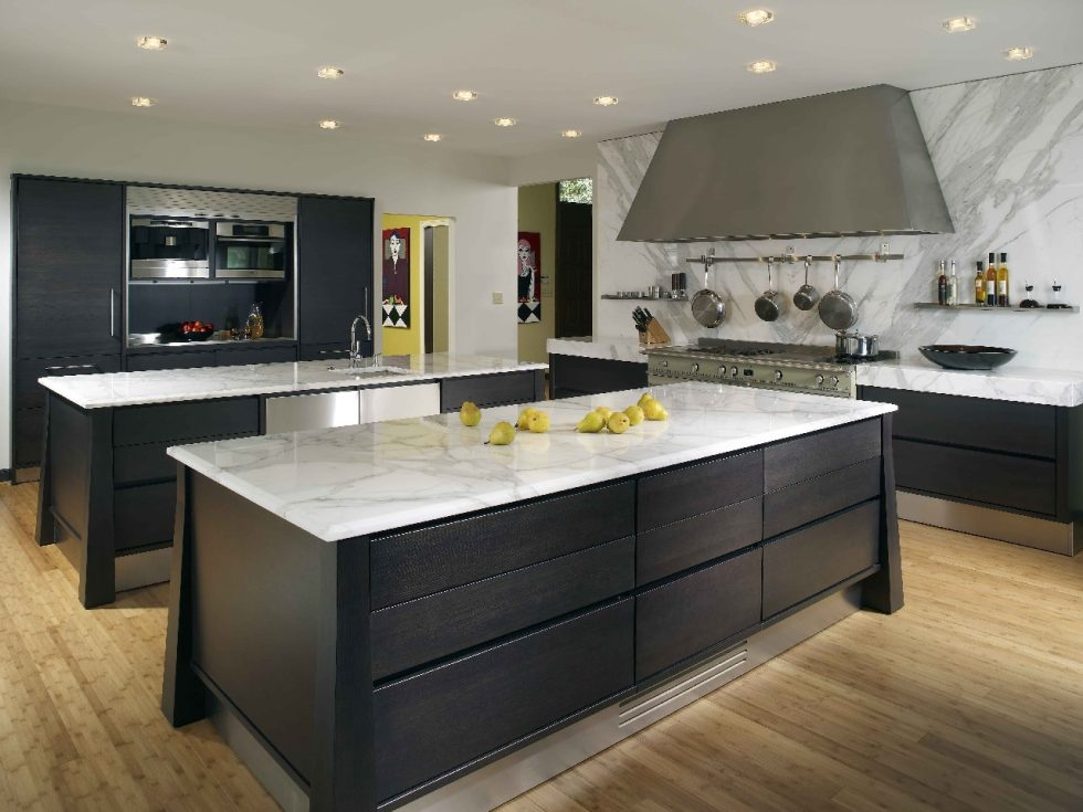 apartments-design-kitchen-island-ebony-wood-hitech