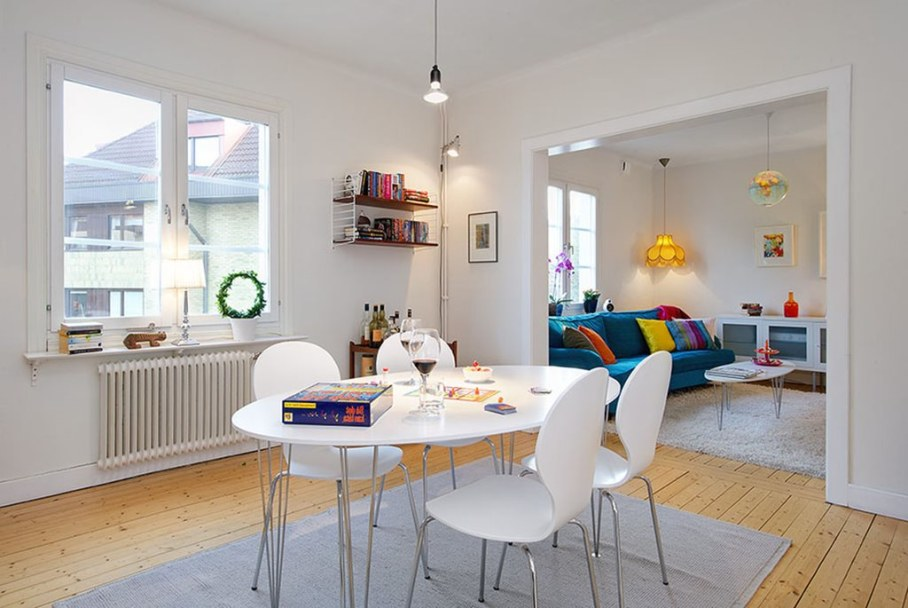 Apartment With Light And Colourful Interior - Dining room 2