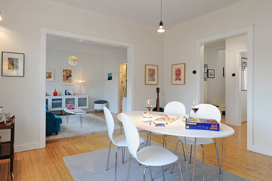 Apartment With Light And Colourful Interior - Dining room 3
