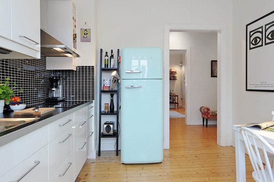 Apartment With Light And Colourful Interior - Kitchen 3