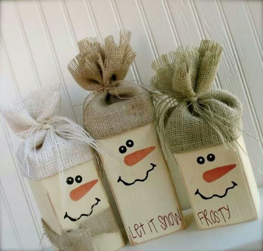 Creating attracting look by decorating with burlap for Burlap ribbon craft ideas
