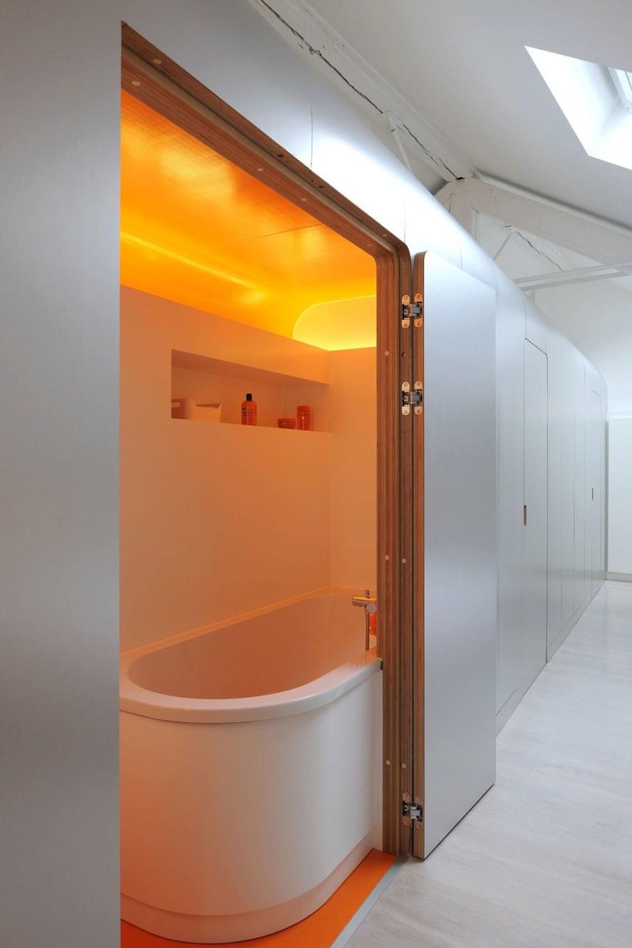 Creative Apartment Design from Dethier Architectures - Orange Bathroom 3