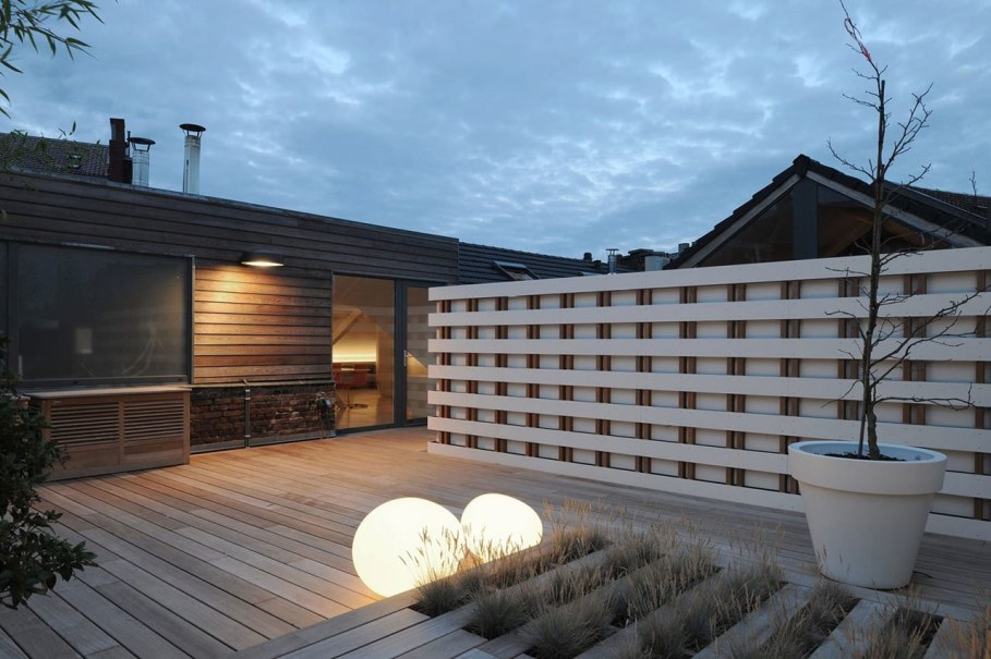 Creative Apartment Design from Dethier Architectures - Outdoor terrace 3