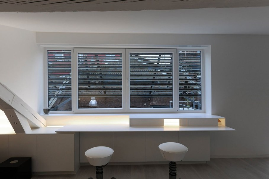 Creative Apartment Design from Dethier Architectures - Workplace