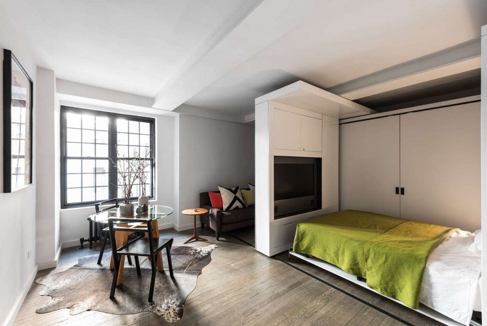 Five to One Apartment - Bedroom with large TV