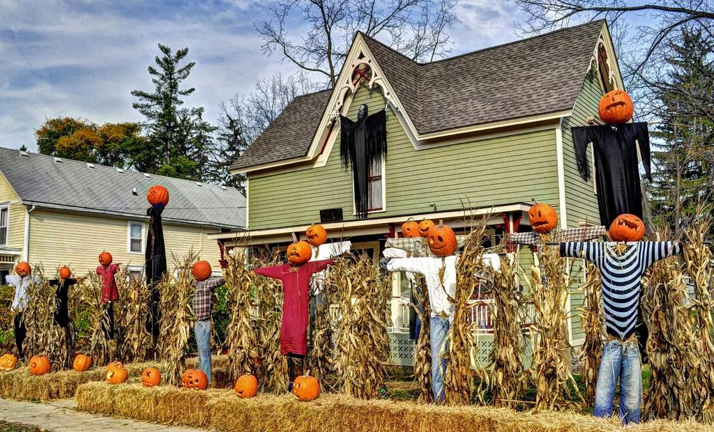 halloween yard decorations ideas on budget - Cheap Halloween Yard Decorations